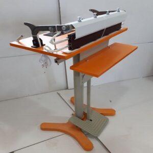 دستگاه دوخت پدالی ایرانی